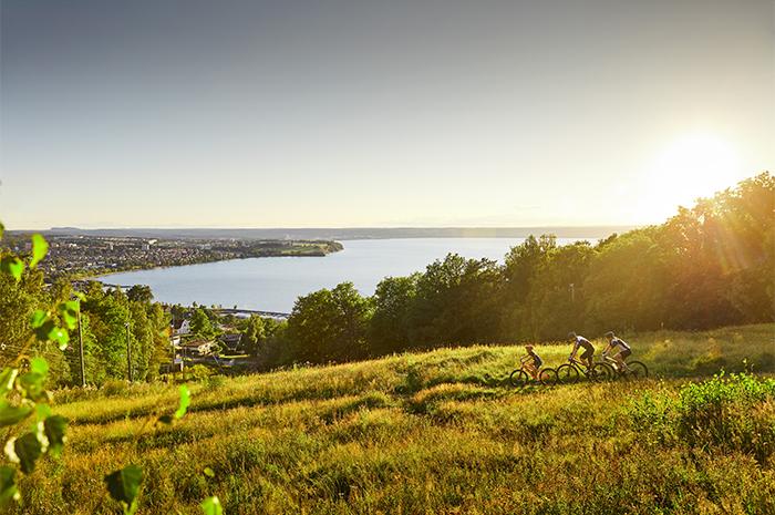 utsikt mot Vättern och Jönköping från IKHP Huskvarna