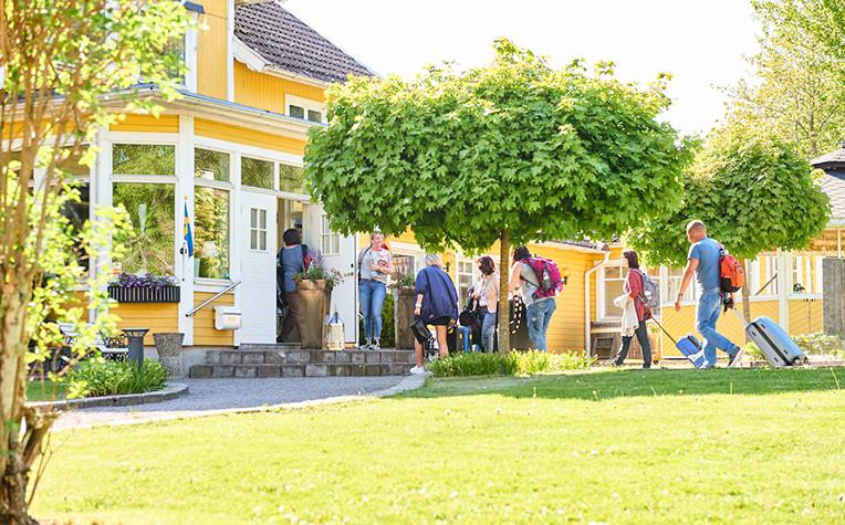 Turister besöker Mullsjö, Småland